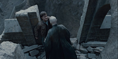 Harry Potter On The Edge Of The Castle Face to Face With Vodemort