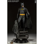 Sideshow Collectibles DC Comics Batman Premium Format 1:4 Scale Figure