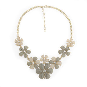 Impulse Women's Flowers Necklace - Cream