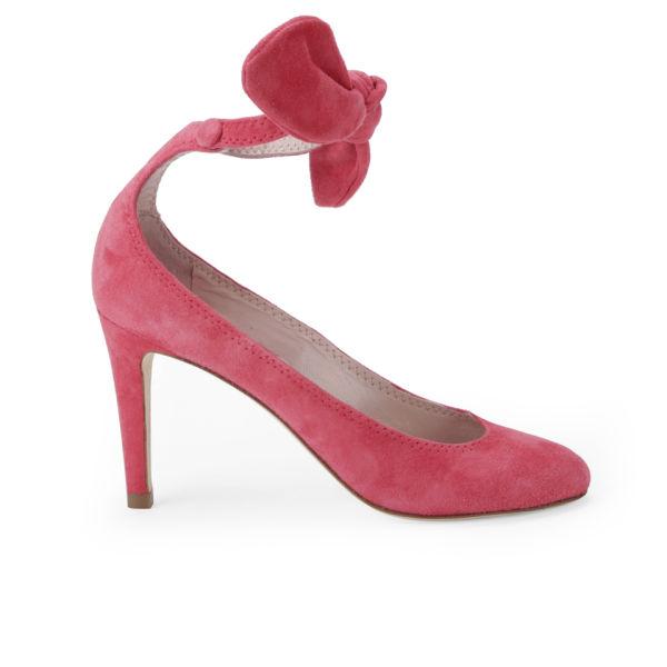 Carven Women's Bow Heeled Velvet Court Shoes - Poppy