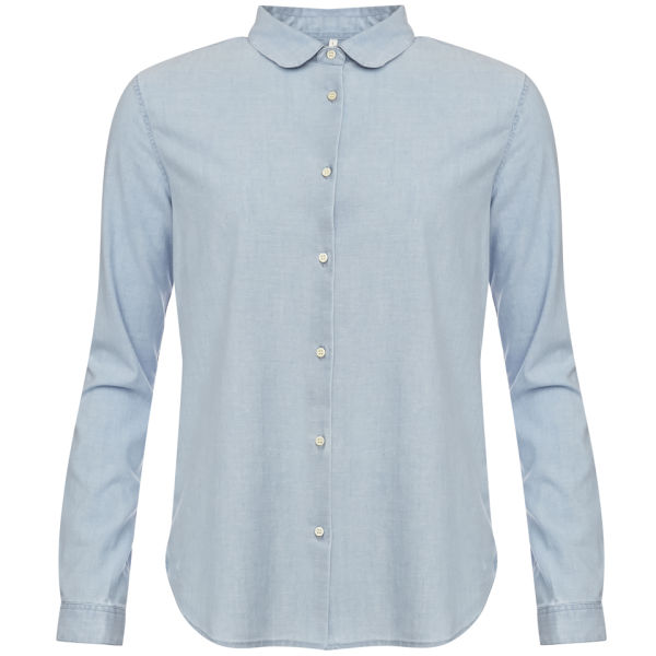 A long sleeved blouse in age washed, light blue denim, this chambray shirt meets varied fashion needs. Spice up a casual outfit with a bit of flare, thanks to the sparkling, beaded front, or cool down a dress-casual outfit, with a more relaxed style.