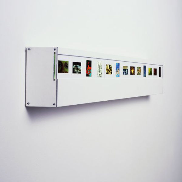 Wall Mounted Photo Slide Light with 25 Slide Spaces IWOOT