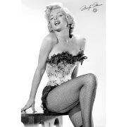 Marilyn Monroe Table Maxi Poster - 61 x 91.5cm