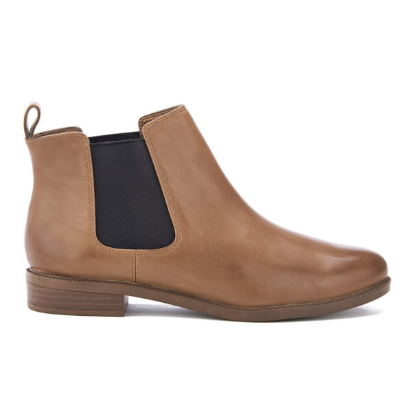 clarks s shine leather chelsea boots