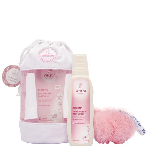 Weleda Almond Wash Bag Gift 2016 (Worth £22.5)