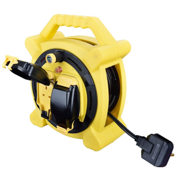 Masterplug 2 Socket Cable Reel with IP Rated Sockets 15m Black/Yellow