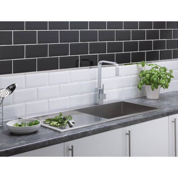Metro Bevelled Black Wall Tile - 200 x 100mm