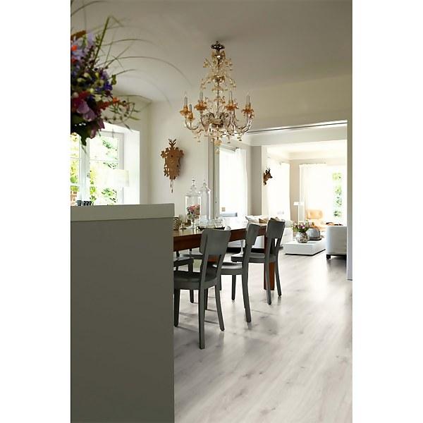 EGGER HOME Light Zermatt Oak 7mm Laminate Flooring