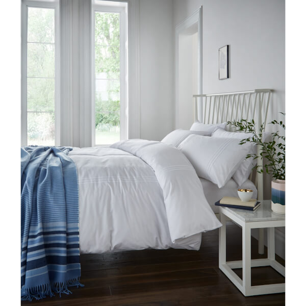 Catherine Lansfield Minimalist Easy Care Double Duvet Set - White
