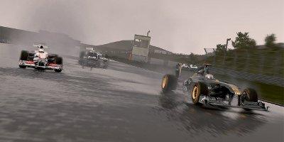 A Lotus, Sauber, and Williams, racing in the rain