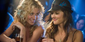 Tracy Morgan And Sara Matthews At A Bar Holding Drinks