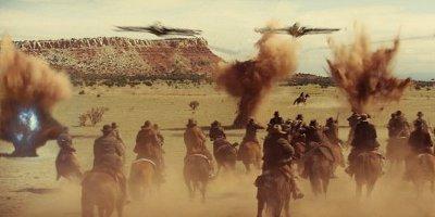 Cowboys combattant des extraterrestres
