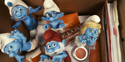 Animated Smurfs, Papa Smurf, schtroumpfette, Brainy, Gutsy And Clumsy Looking Scared In A Box