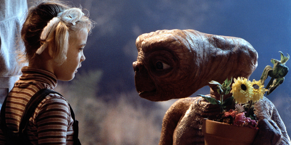 Still of E.T. and Drew Barrymore