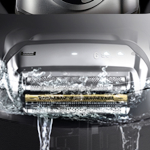 shaver in water