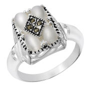Silver Plated Mother of Pearl Square Shaped Ring
