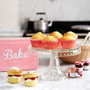 Bake Tin Set - Mini Victoria Sponges