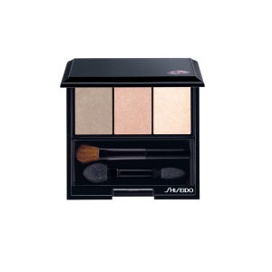Trío de sombras de ojos Shiseido Luminizing Satin Eye Colour Trio BE213 (3g) Nude