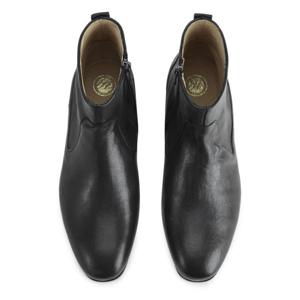 h shoes by hudson men 39 s fabien leather chelsea boots. Black Bedroom Furniture Sets. Home Design Ideas