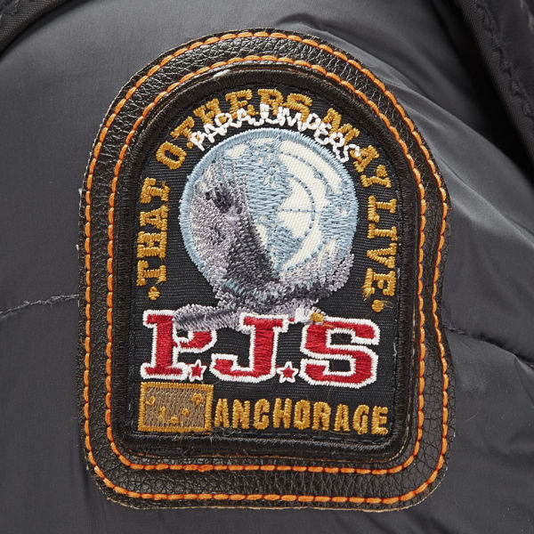 parajumpers badge