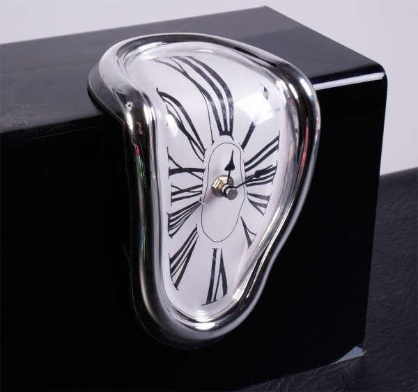 Melting Clock Iwoot