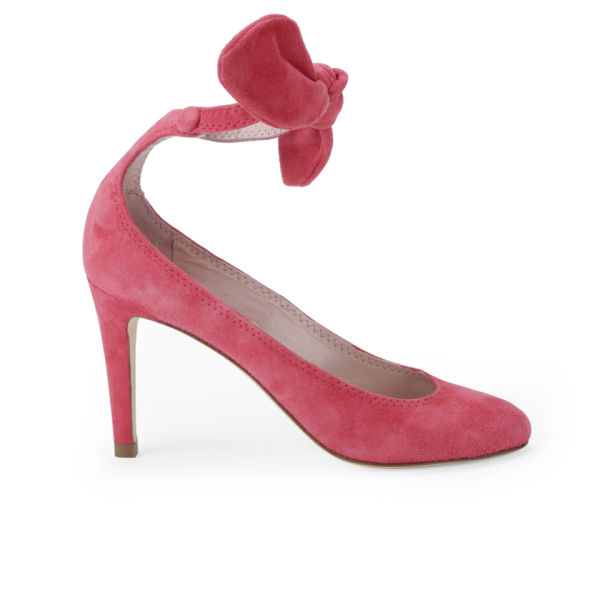 Carven Women's Bow Heeled Velvet Court Shoes - Poppy