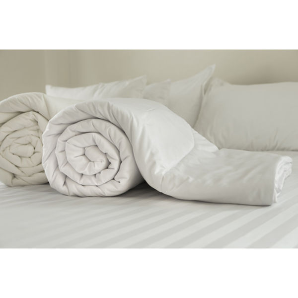Restmor Microfibre Covered Hollowfibre Filled Duvet - White (13.5 Tog)