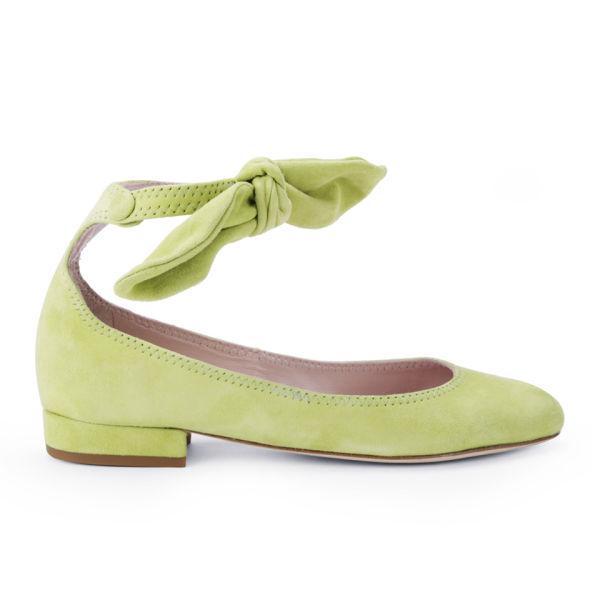 Carven Women's Bow Strap Block Heeled Velvet Flats - Light Green