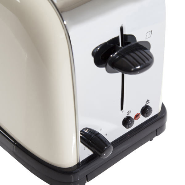 russell hobbs 1 7 litre jug kettle cream and classic 2 slice toaster cream homeware zavvi. Black Bedroom Furniture Sets. Home Design Ideas