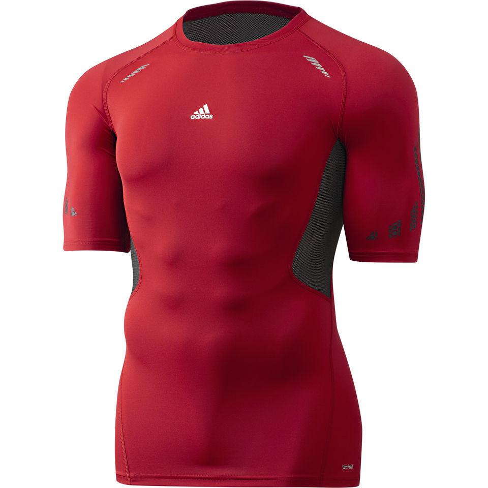 maximizar Nuez malla  adidas Men's Techfit Preparation Short Sleeve T-Shirt - Red Sports ...