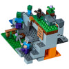 LEGO Minecraft: The Zombie Cave (21141): Image 2