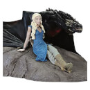 Dark Horse Game of Thrones Daenerys & Drogon-beeld