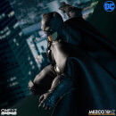 Figurine de collection Batman : Supreme Knight, échelle 1:12 – Mezco