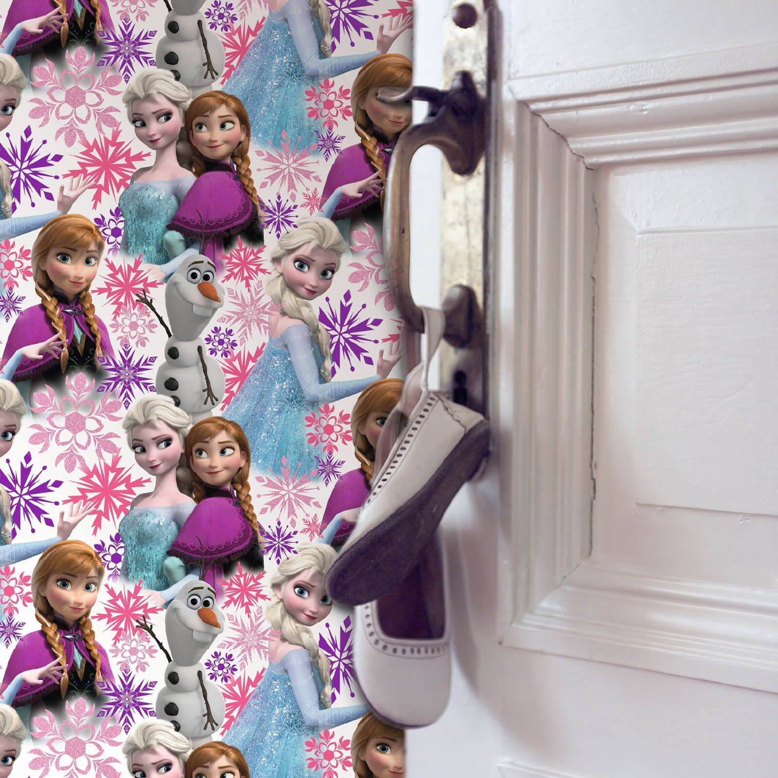 Disney Frozen Anna Elsa Pink Shimmer Wallpaper