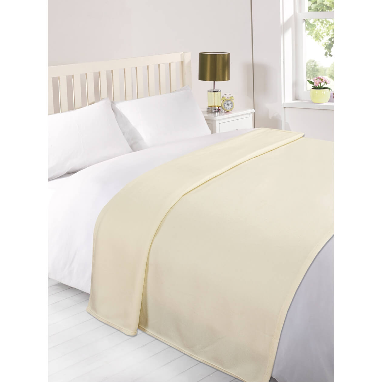 Dreamscene Soft Fleece Throw (120 x 150cm) - Cream