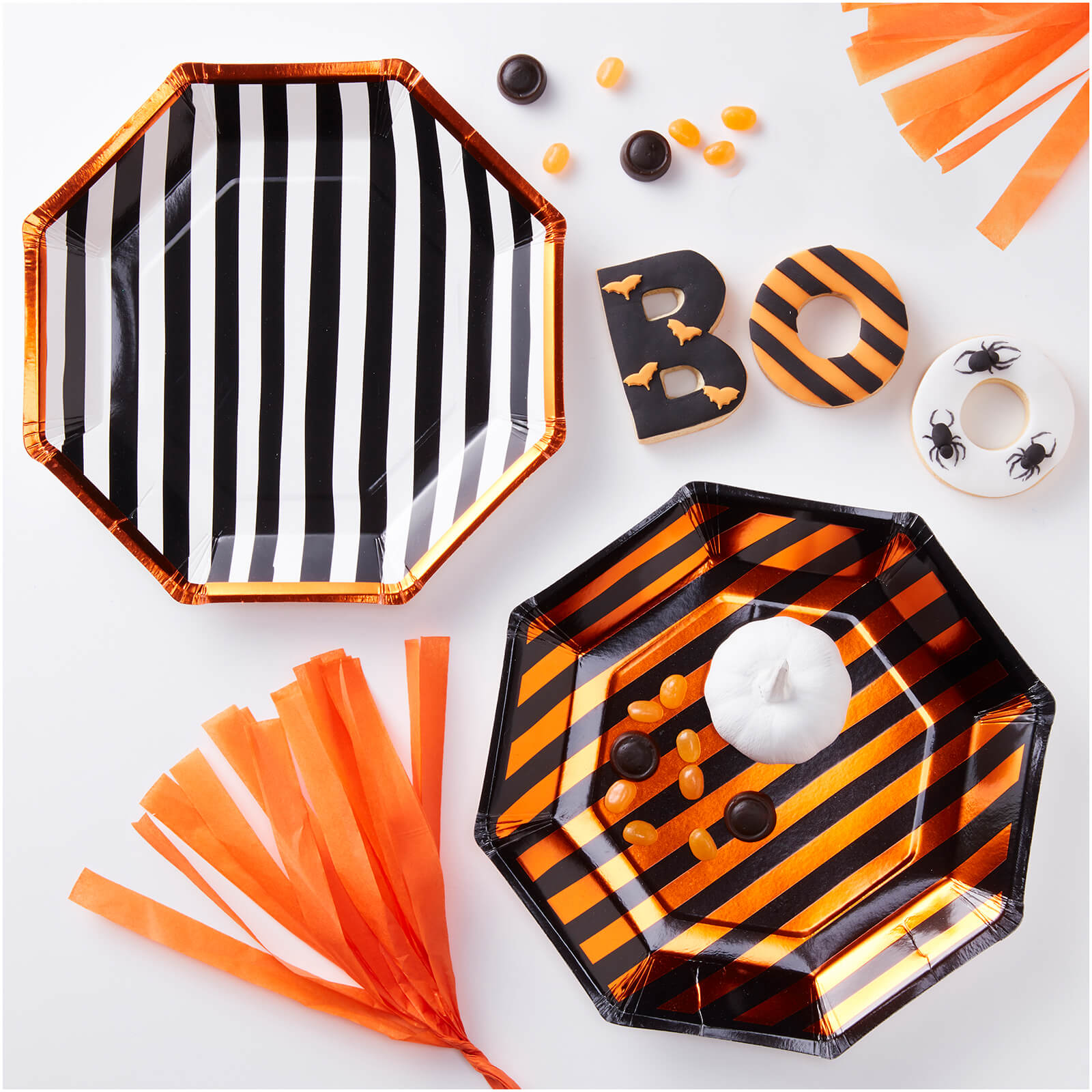 Ginger Ray Orange Foiled Twin Pack Design Paper Plates - Pumpkin Party