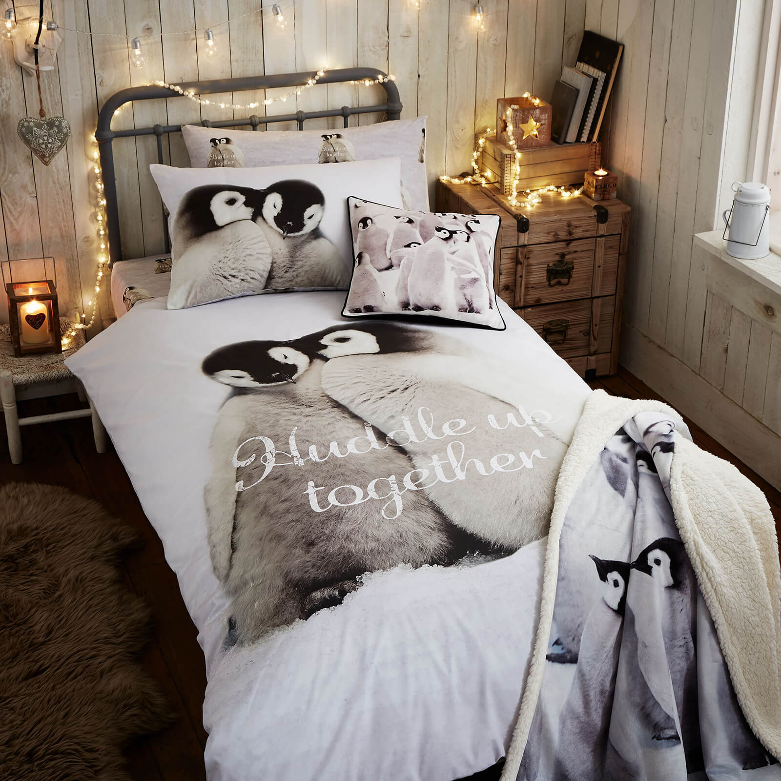Catherine Lansfield Snuggly Penguins Duvet Set