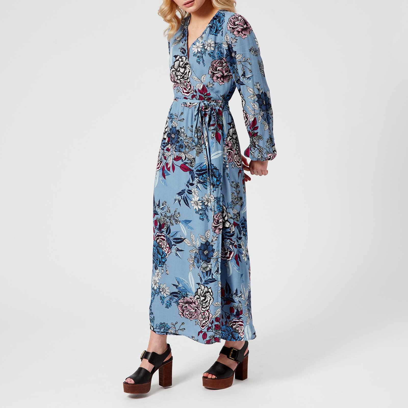 437108ae39c3 Gestuz Women's Begonia Wrap Dress - Light Blue Flower - Free UK Delivery  over £50