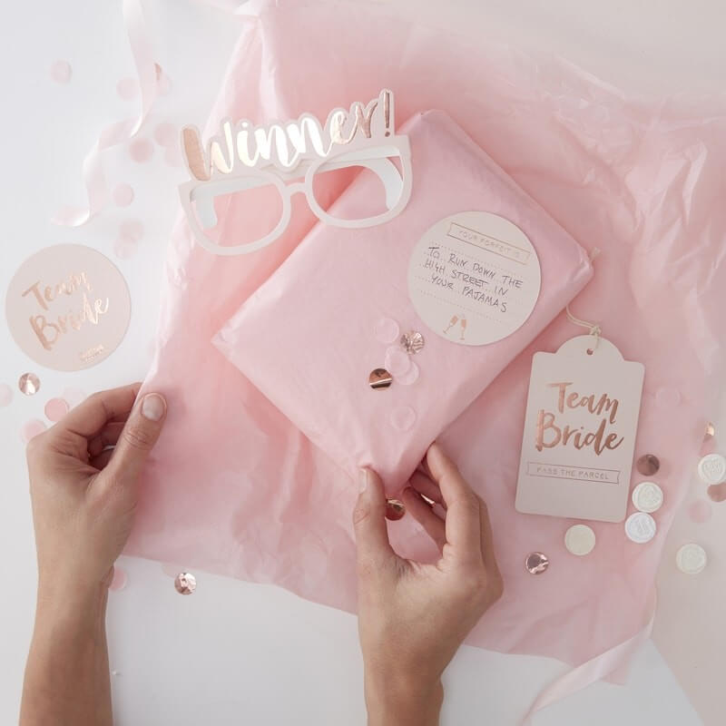 Ginger Ray Team Bride Pass the Parcel Kit - Rose Gold