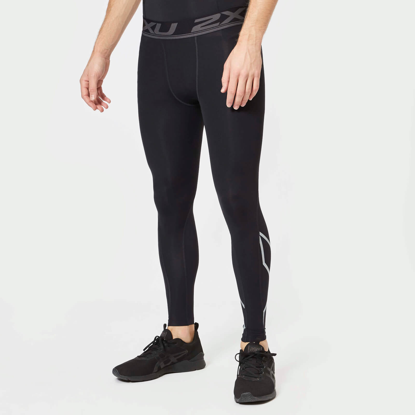 f29d6b5bcc 2XU Men's Accelerate Compression Tights - Black/Silver - Free UK Delivery  over £50
