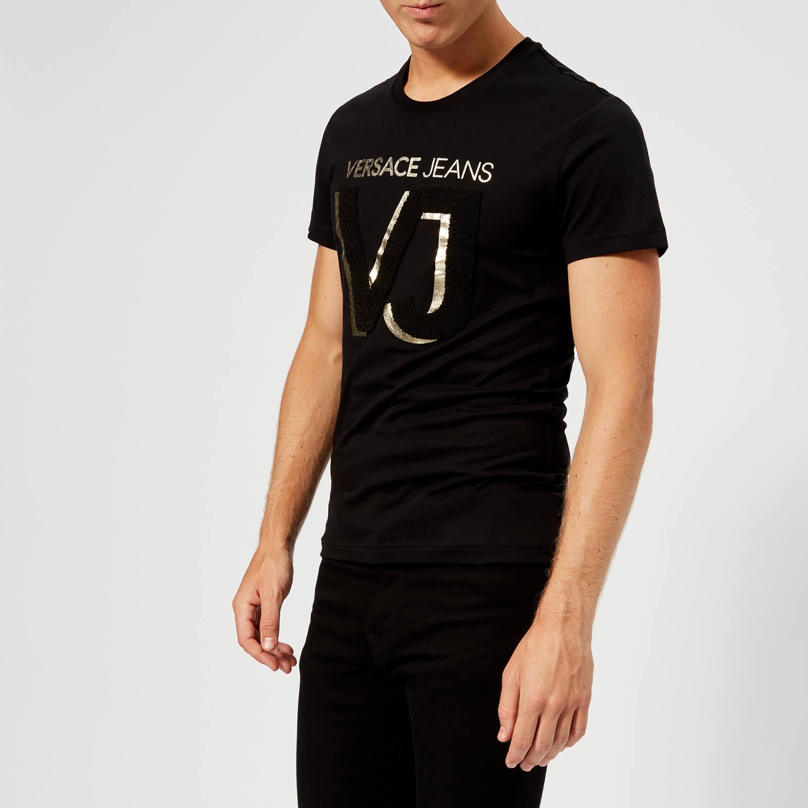 fcf33f9cd4f Versace Jeans Men s VJ Chest Logo T-Shirt - Black Clothing