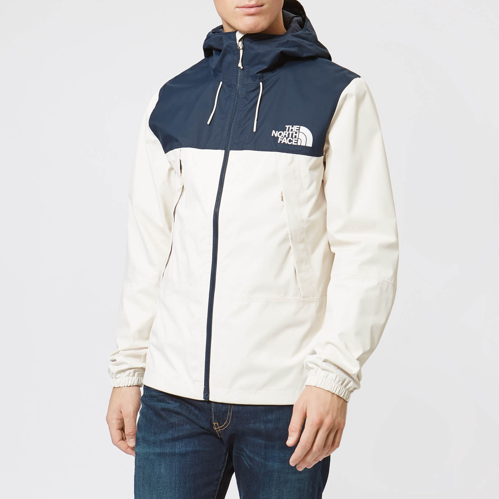 The North Face Men's 1990 Mountain Q Jacket Vintage WhiteUrban Navy