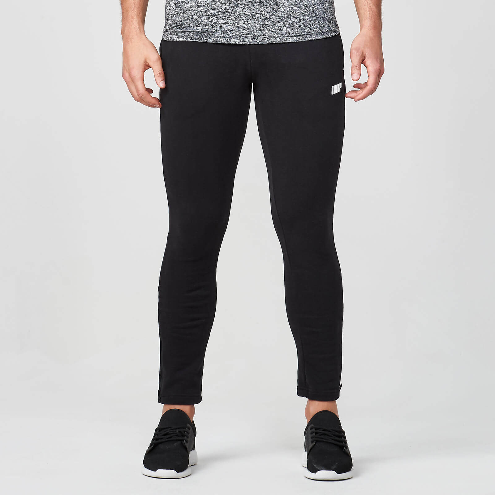 39bebc71 Мужские спортивные облегающие штаны | Цвет черный | MYPROTEIN™
