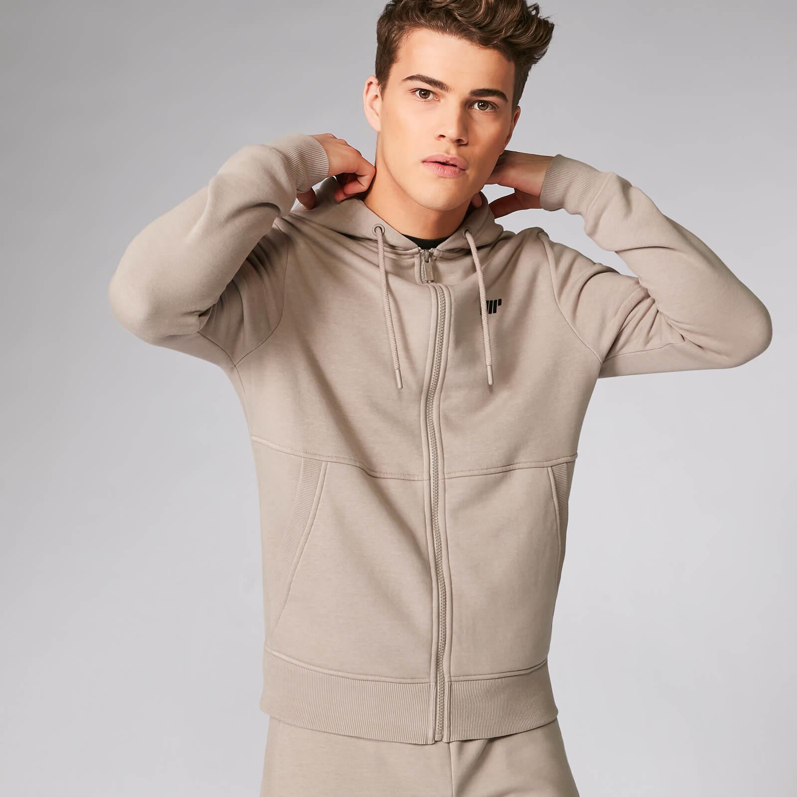 534756be9 Férfi Tru-Fit Cipzáras pulóver 2.0 rendelés | Barna | MYPROTEIN™