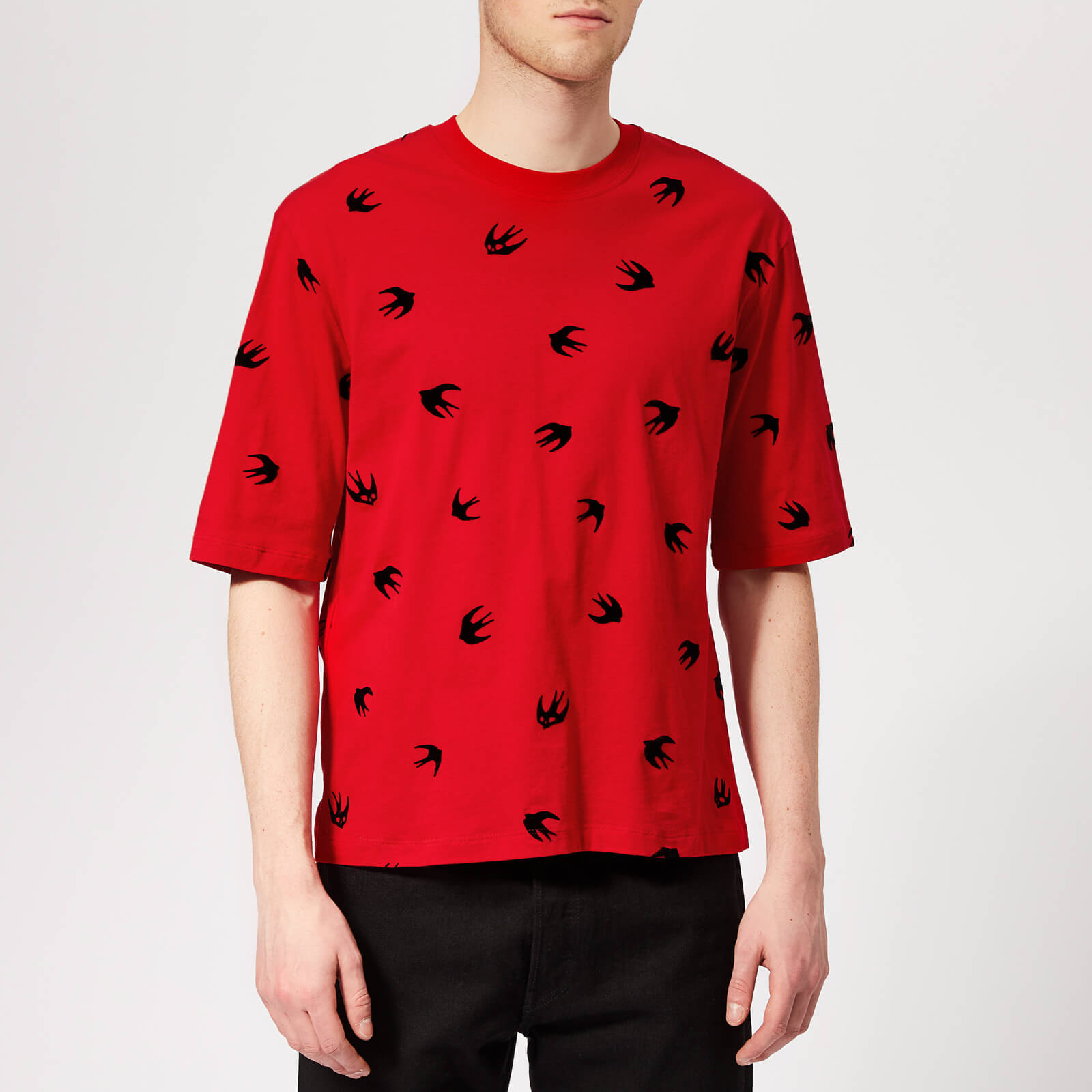 bdbd43a4c McQ Alexander McQueen Men's Mini Swallow T-Shirt - Cadillac Red - Free UK  Delivery over £50