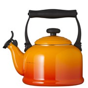 Le Creuset Traditional Kettle with Whistle - Volcanic