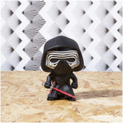Figurine Kylo Ren Star Wars Le Réveil de la Force Funko Pop!