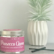 La de da! Living Sassy Wax Prosecco Queen - Classy, Bubbly and Ready to Party Candle 300g