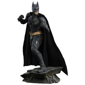 Sideshow Collectibles DC Comics Batman The Dark Knight Batman Premium Format 20 Inch Statue