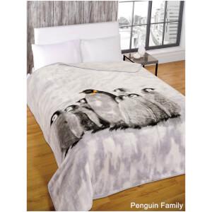 Dreamscene Penguin Group Faux Fur Throw (150 x 200cm)